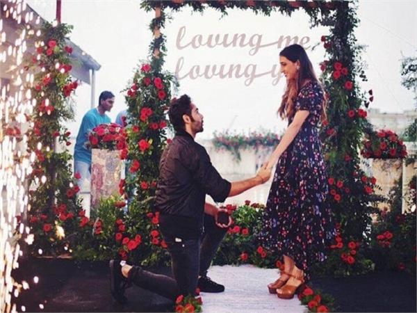 kareena kapoor cousin armaan jain proposes girlfriend