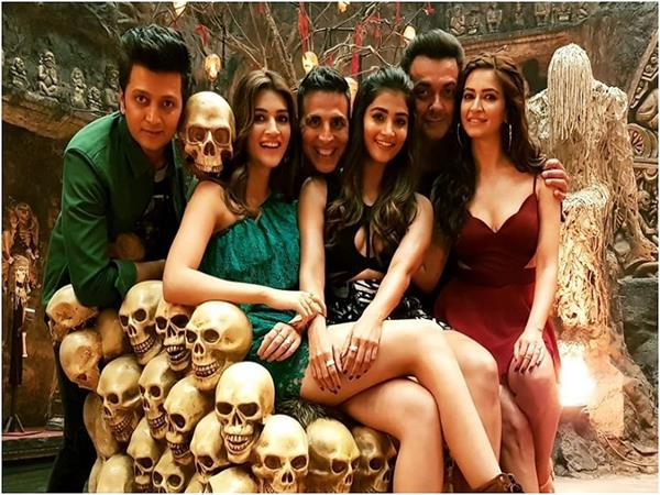 housefull 4 official trailer out now