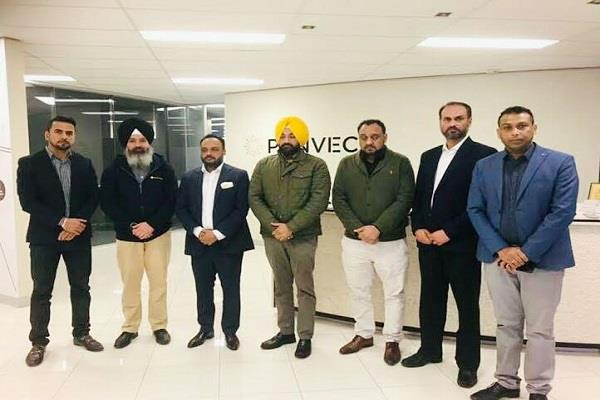 flood donation for punjab by penweck australia group