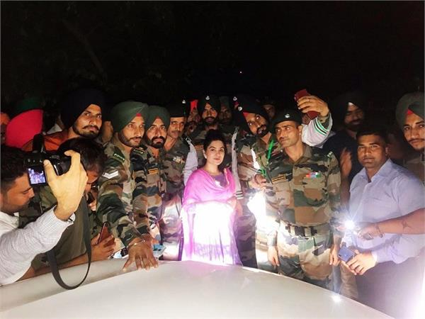 kaur b penned emotional note for indian army soldiers