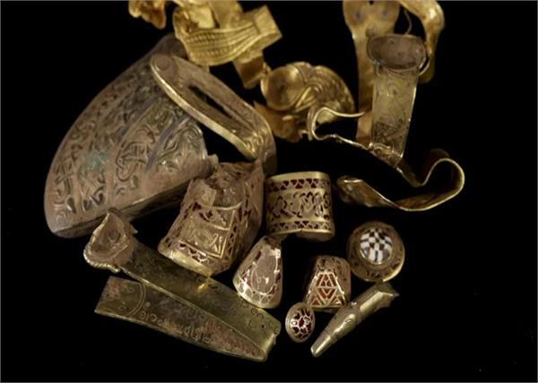 gold and silver jewellery found excavation of foundation