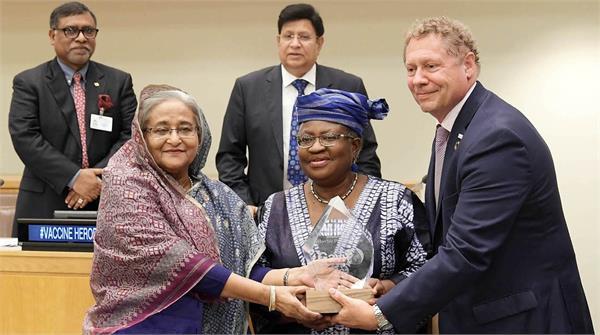 bangladesh prime minister hasina receives   vaccine hero   award