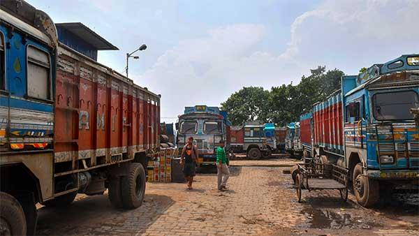 rajasthan  biggest ever invoice paid by truck owner  paid rs 1 41 lakh fine
