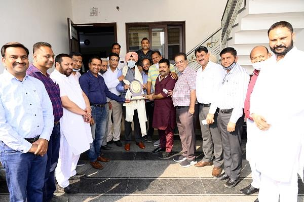punjab congress leader kewal singh dhillon visited astha enclave