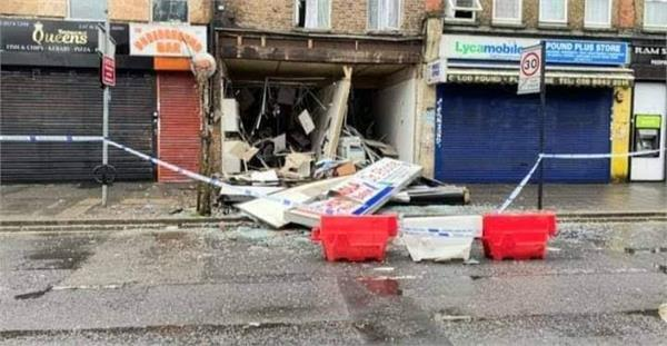 london  two killed in gas explosion at a shop