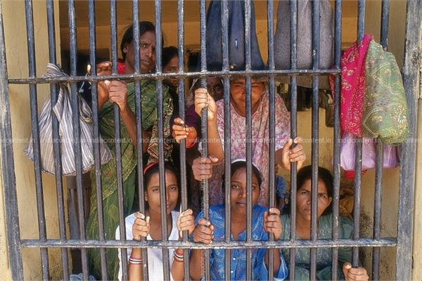 all   women prisoners   should be released