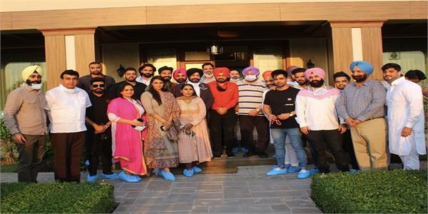 capt amarinder meets punjabi artists announces to fight for farmers rights