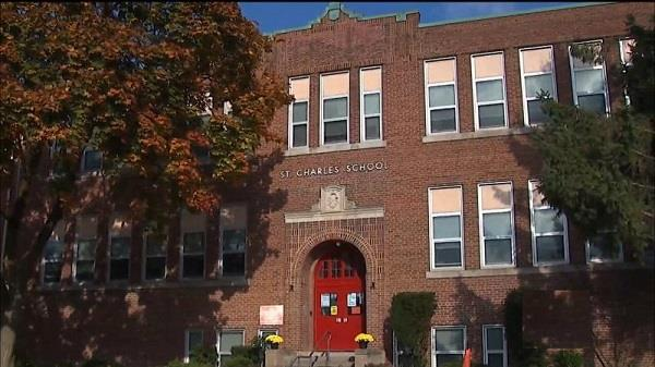 teacher toronto school fined not wearing a mask
