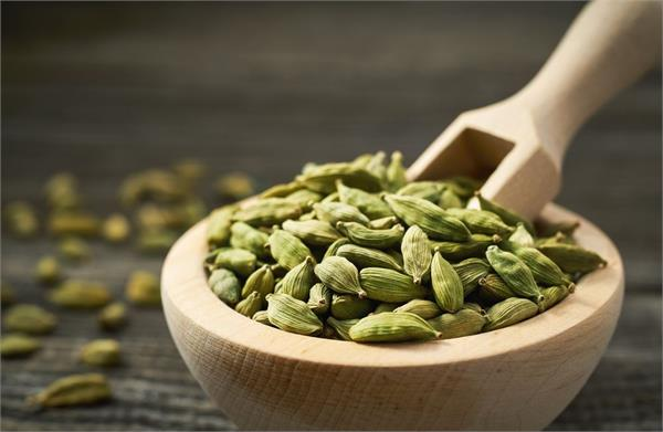 great benefits of small cardamom it cures these diseases of the body