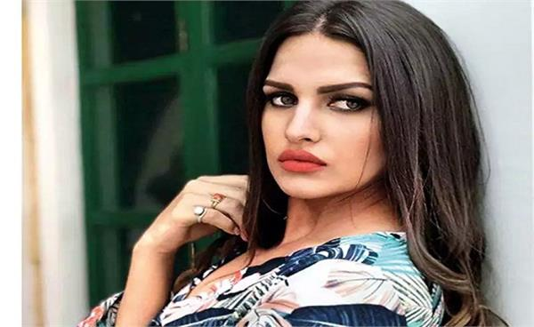 himanshi khurana admit in hospital due fever and oxygen
