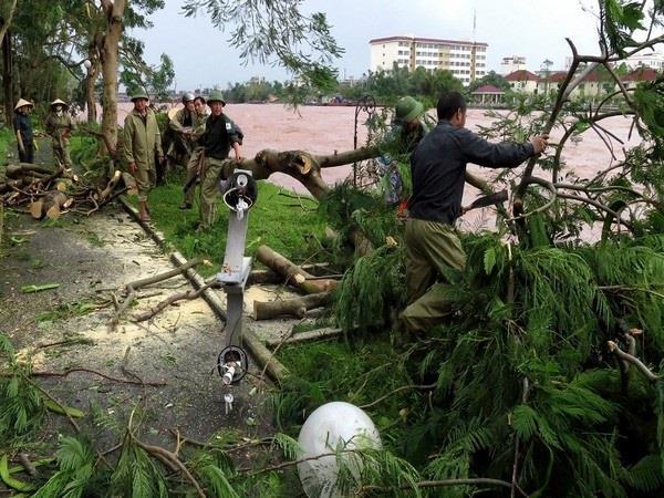 8 dead 46 missing in landslides in central vietnam province