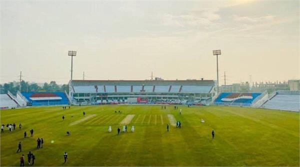 bad wind zimbabwe t20 international match rawalpindi stadium