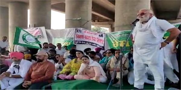 punjabi actor protest with farmers at morinda
