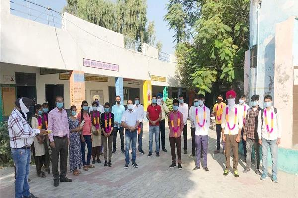 after 7 months the students in the schools of punjab were greeted