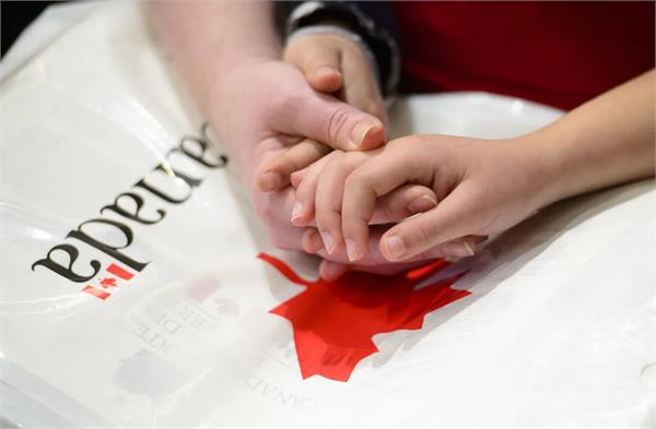 canada re open parents and grandparents immigration program