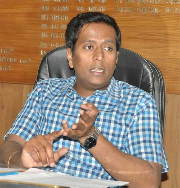 deputy commissioner takes big step against builders