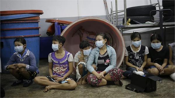 29 million girls women victims of modern slavery says report