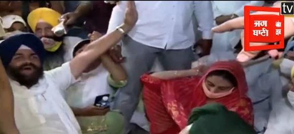 chandigarh police arrested harsimrat kaur badal