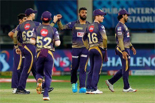 varun made a record by bowling dhoni