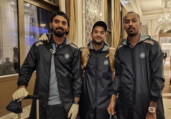 indian cricket team leaves for australia