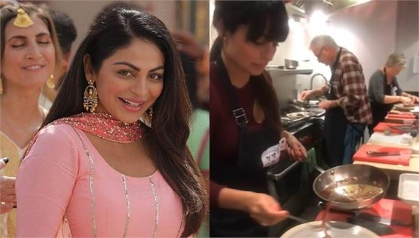 neeru bajwa shared video of couple cooking class
