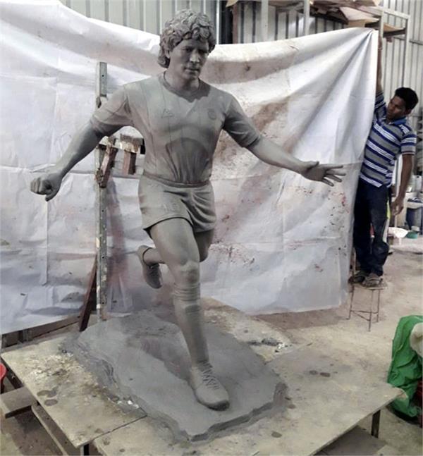 goa minister install maradona statue inspire youth