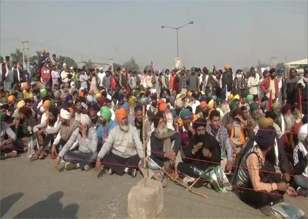 farmers protesting at dehi borders