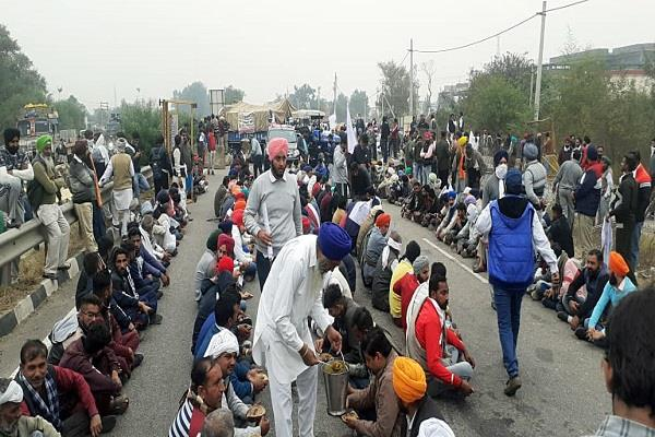 agriculture law delhi farmers protest pictures