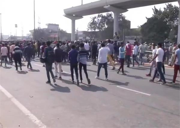 nikita murdered case locals in ballabhgarh blocked national highway 2