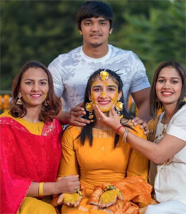 bajrang punia sangeeta phogat haldi ceremony emotional pictures