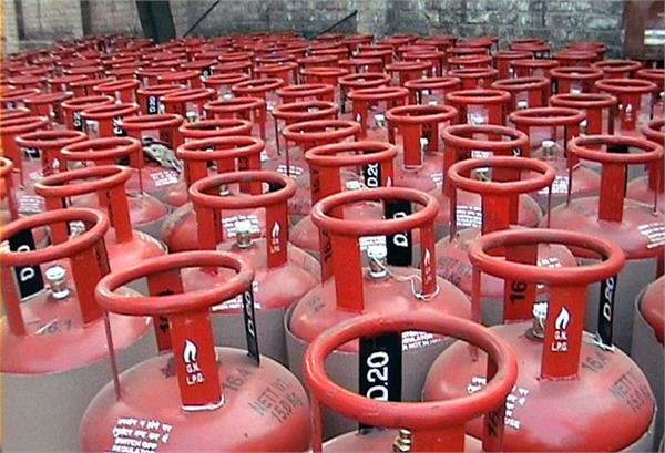 lpg subsidy for bpcl consumers to continue pradhan