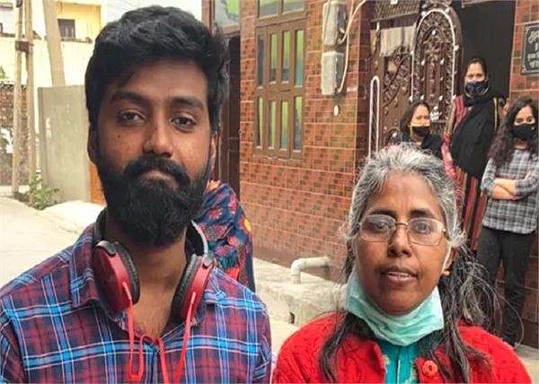 delhi  mother son meet after 15 years in facebook