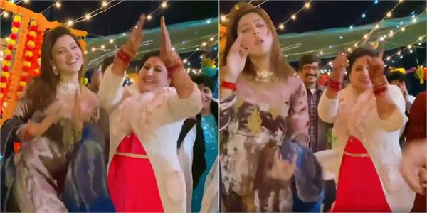 urvashi rautela viral dance video with mother
