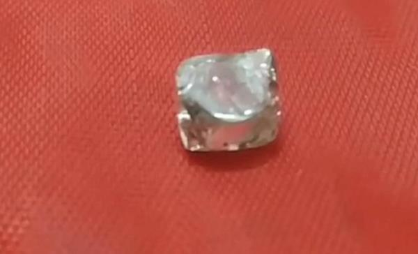 lucky laborers open before diwali  precious diamond found in panna