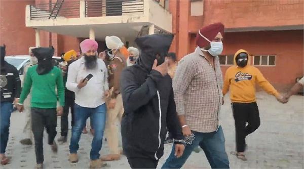 rupnagar police arrest 5 armed smugglers