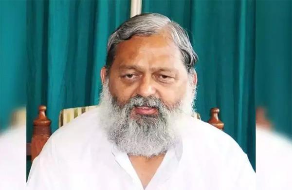 haryana health minister anil vij  s condition worsens