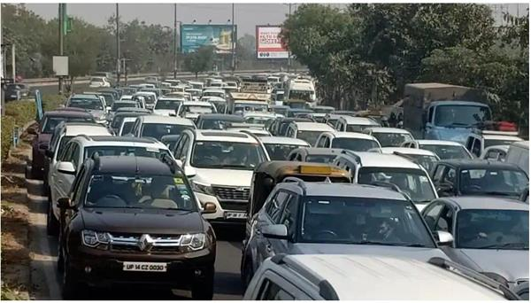 several roads in delhi ncr closed  advisory issued by traffic police