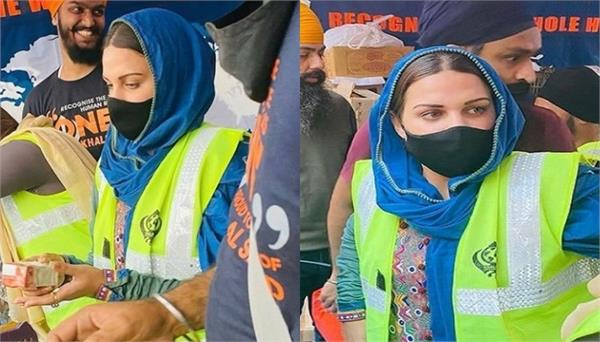himanshi khurana also attended the farmers   dharna  shared