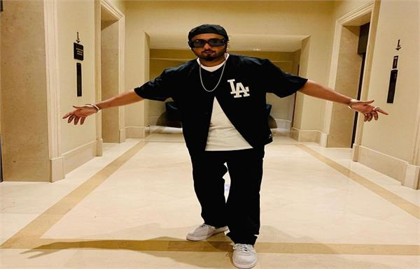 honey singh postponed his song releasing in support of farmer protest