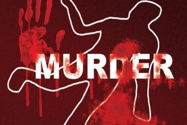elderly person  beaten  brick  murder  3 accused