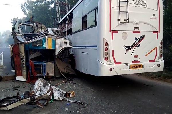 tragic collision between trala and tourist bus on garhshankar hoshiarpur road