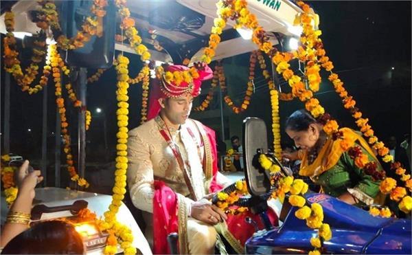 farmer support international boxer sumit sangwan wedding tractor