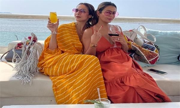 malaika arora with sisrter amrita arora in goa vacations