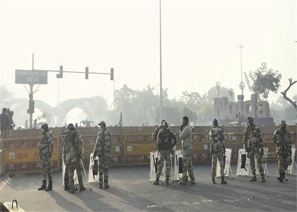 farmers protest borders of delhi traffic police advisory