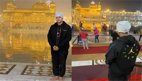 jass manak arrives at golden temple on foot from mohali