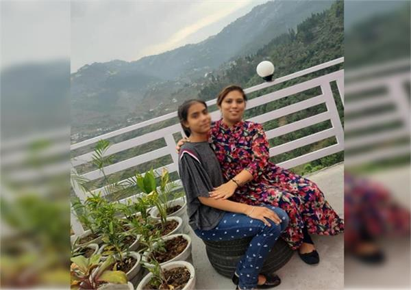 mother daughter suicide