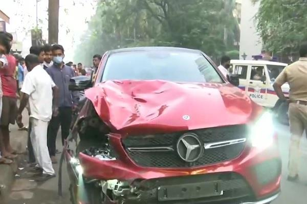 mumbai businessman son delivery boy scooter collision death