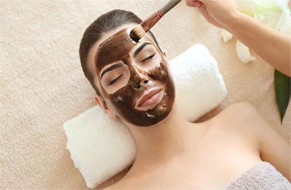 beauty tips  apply a face pack made with tamarind to make your face glow