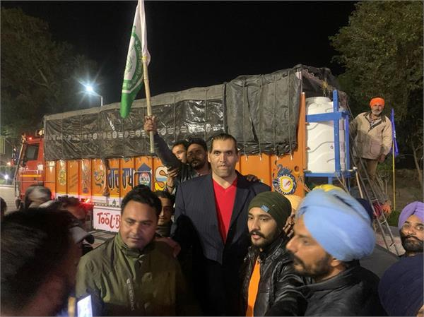 farmer protest the great khali support