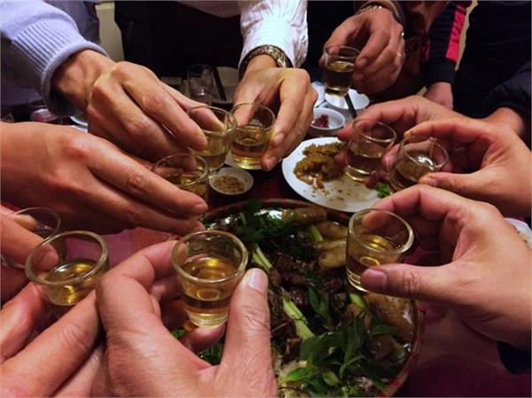 tainted rice wine  kills 7 cambodia